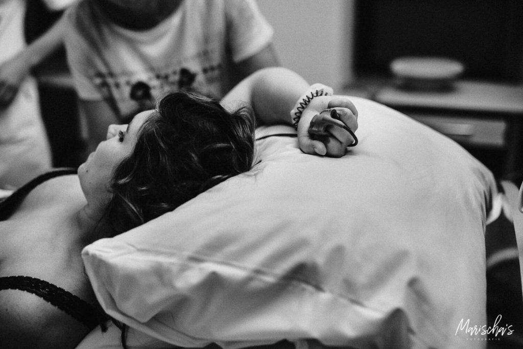 Geboortefotografie van een bevalling in Heerlen