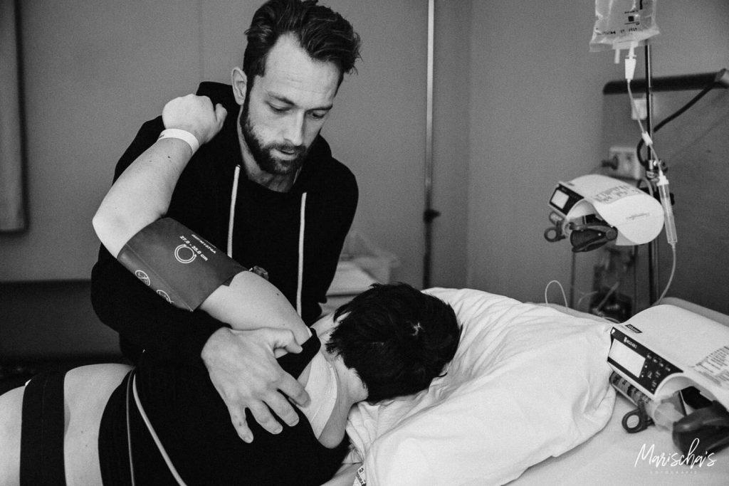 Geboortereportage van een bevallen mama in het ziekenhuis Roermond