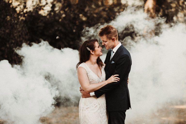 bruidsfotograaf voor een prachtige buiten bruiloft bij kasteel Limbricht in zuid limburg