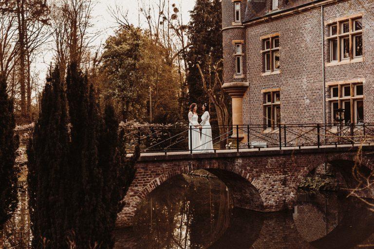 trouwreportage van twee bruiden bij kasteel Terworm in Heerlen Limburg