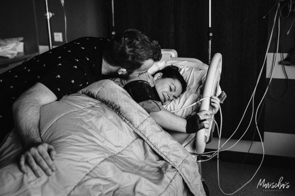 bevallingsfotograaf voor een bevalling in het Zuyderland geboortecentrum in limburg