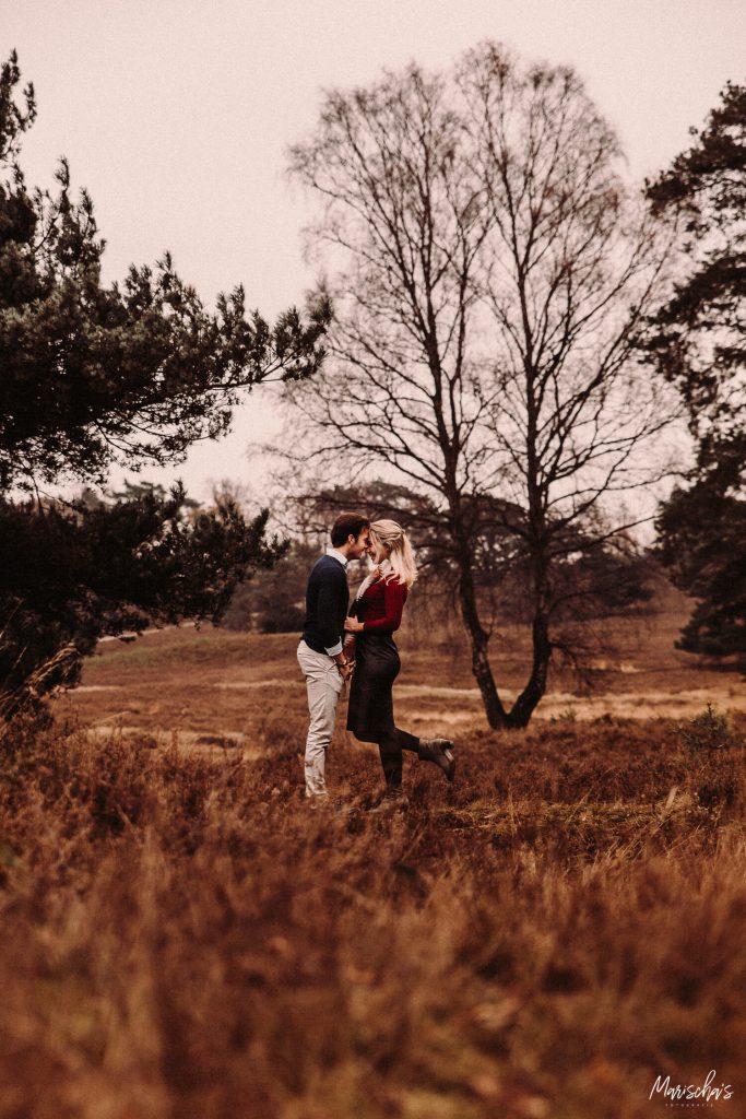 Fotograaf voor een leuke fotoshoot in het bos in zuid limburg
