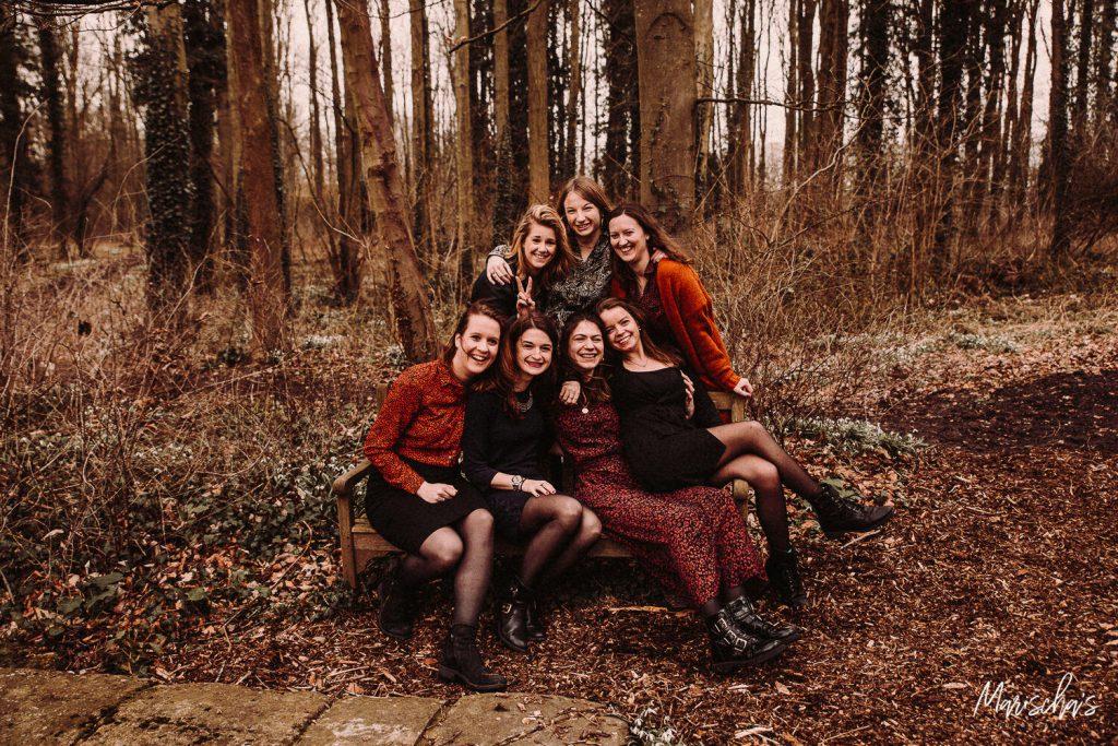 Spontane vriendinnenshoot op de mooie buitenlocatie bij Kasteel Vaeshartelt Maastricht in limburg