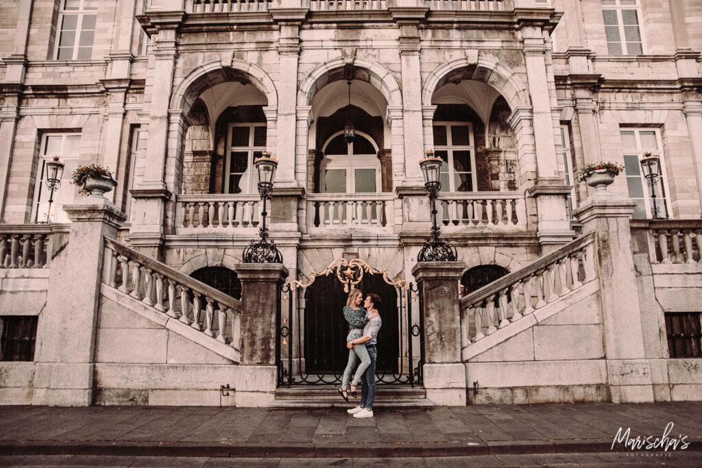 fotograaf voor een spontane fotoreportage in het centrum van maastricht