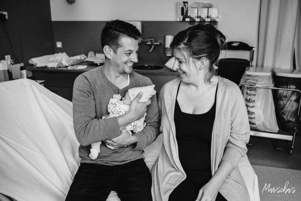 geboortefotograaf voor een geboortereportage in limburg. Geboortefotografie is uniek!